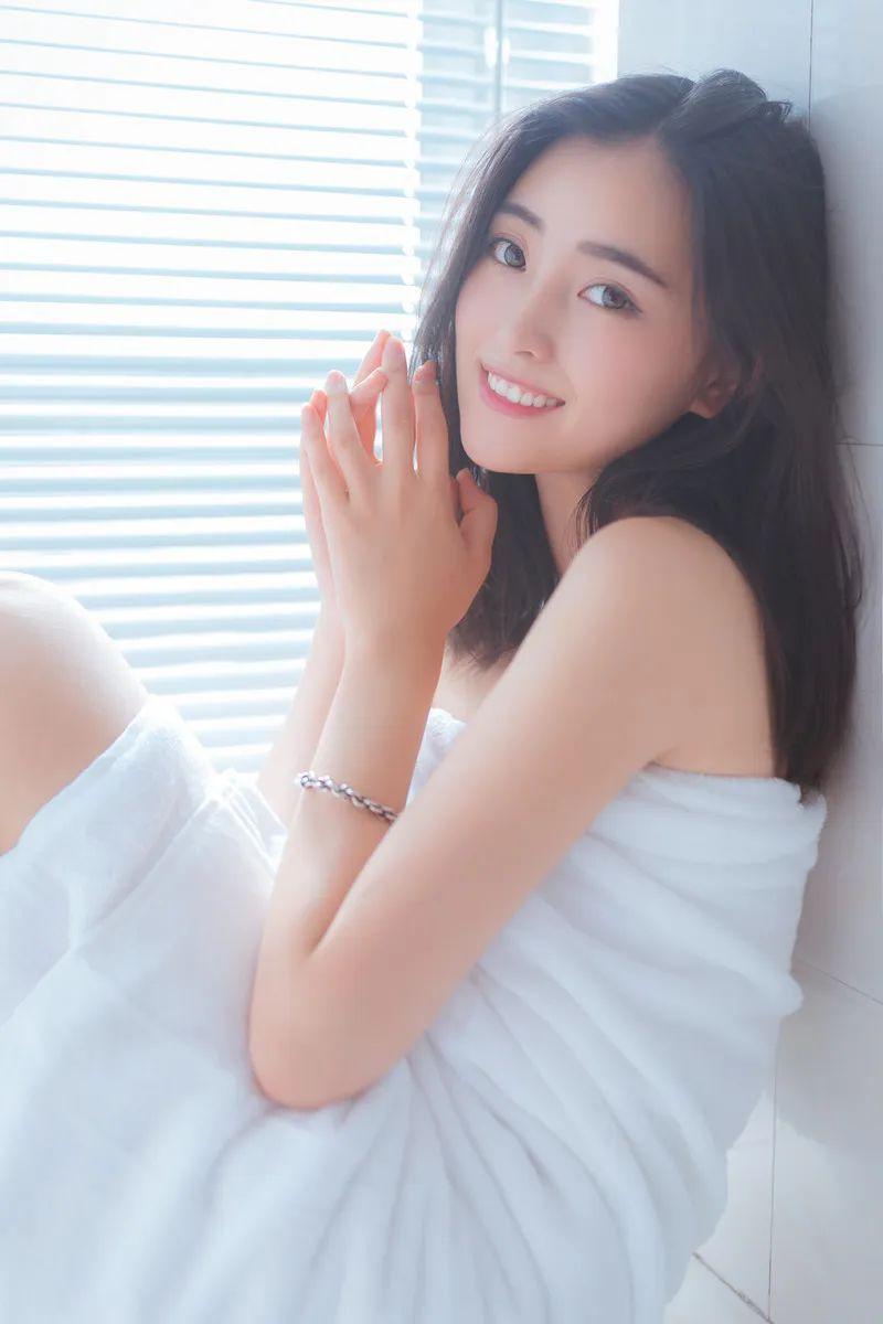 妹子摄影 – 居家少女睡裙与浴袍_图片 No.1