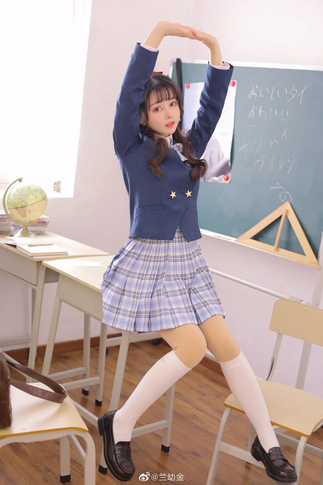 JK制服白丝袜 美少女兰幼金教室写真_图片 No.5