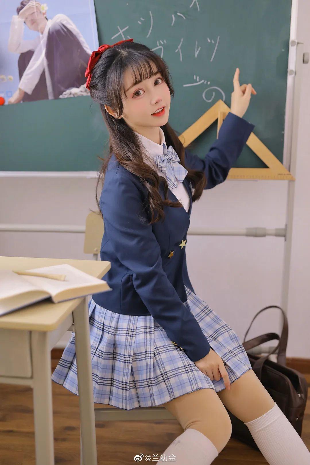 JK制服白丝袜 美少女兰幼金教室写真_图片 No.7
