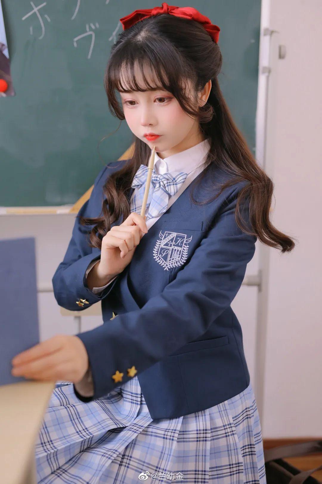 JK制服白丝袜 美少女兰幼金教室写真_图片 No.8