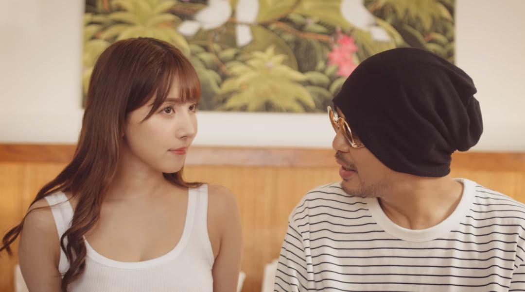 三上悠亚出演MV《I Shot You 不小心》,连衣裙少女感十足,吃冰棒更是有感觉!_图片 No.1