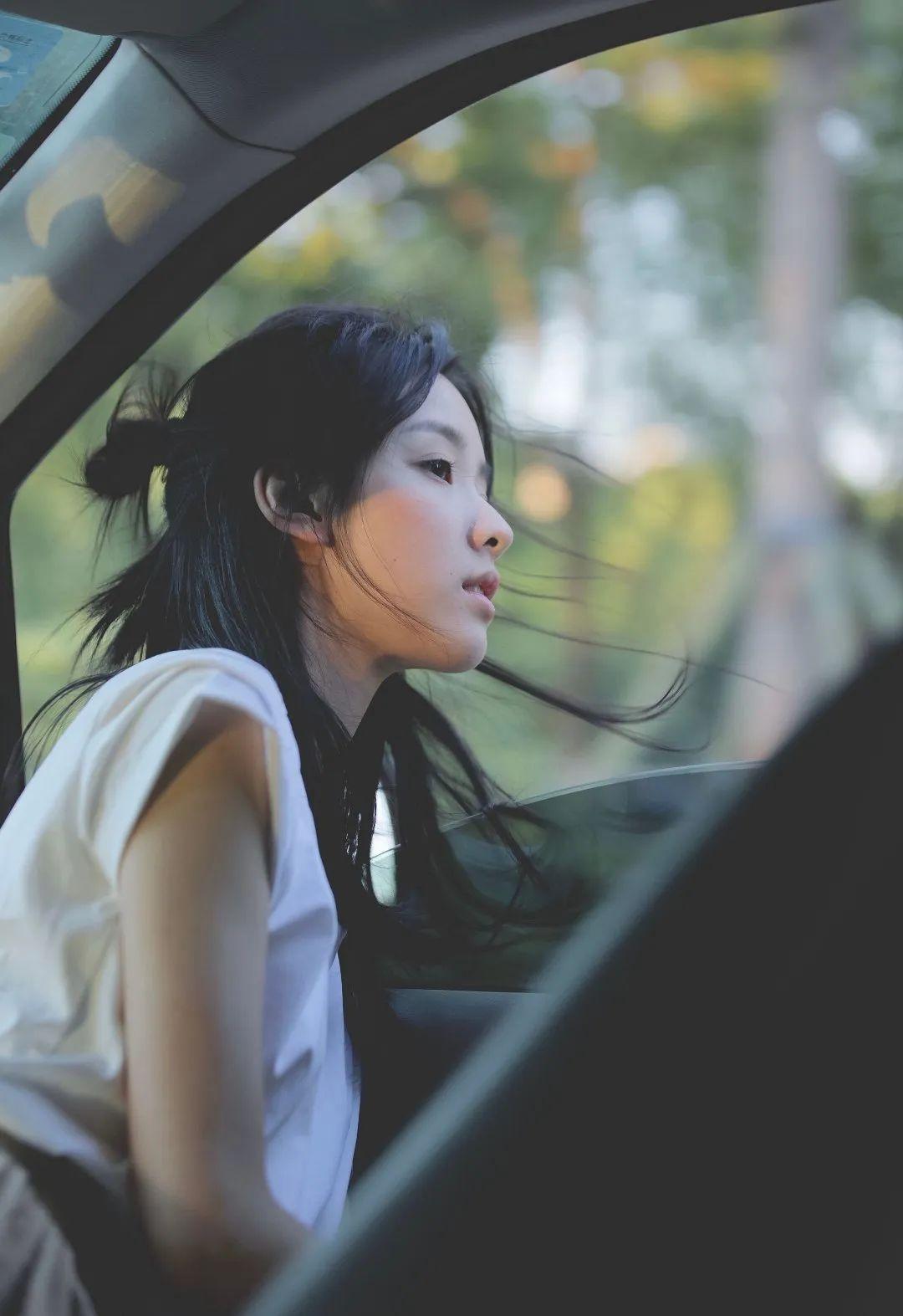 妹子写真 – 理想型的学姐学妹:周也、陈都灵小姐姐_图片 No.1