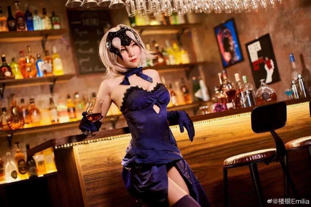 Cosplay-《Fate/Grand Order》黑贞,酒吧这氛围太让人把持不住了_图片 No.1