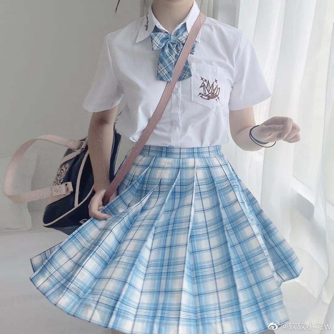 妹子摄影 – JK制服大长腿小姐姐,头顶大蝴蝶结可可爱爱_图片 No.5