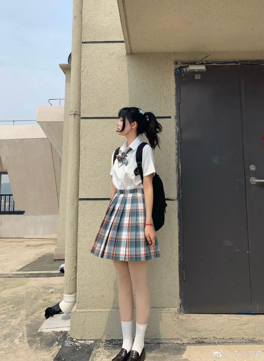 妹子摄影 – JK制服大长腿小姐姐,头顶大蝴蝶结可可爱爱_图片 No.11
