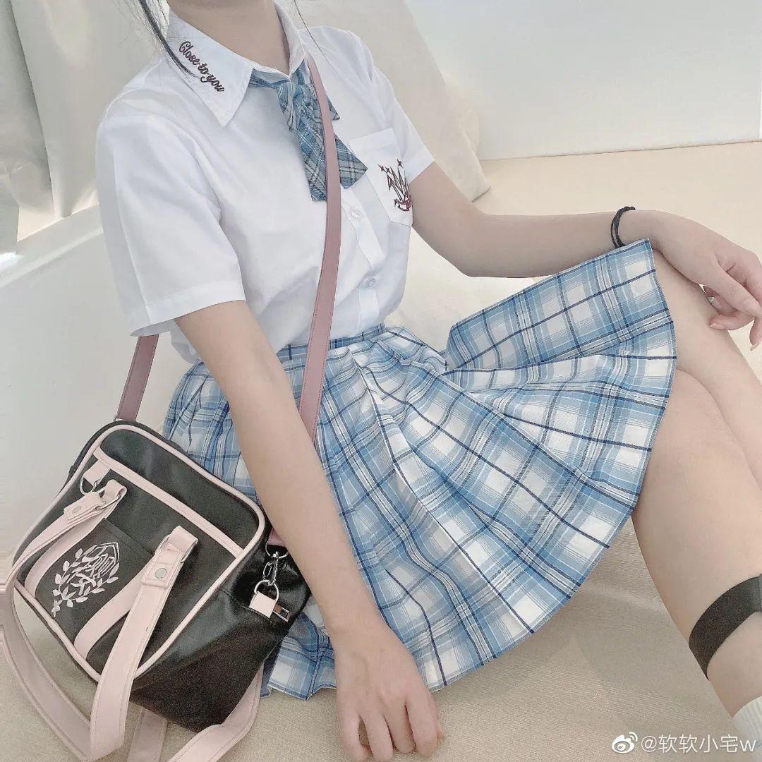妹子摄影 – JK制服大长腿小姐姐,头顶大蝴蝶结可可爱爱_图片 No.15
