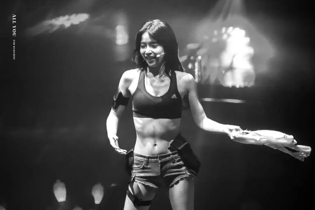 韩国美女金容仙,这种有腹肌有张力的美少女别有一番风味_图片 No.4