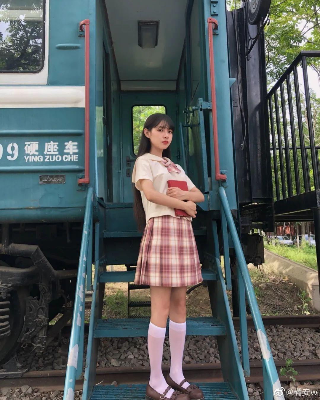 妹子摄影 – JK制服白丝小腿袜少女,初恋的香气_图片 No.6