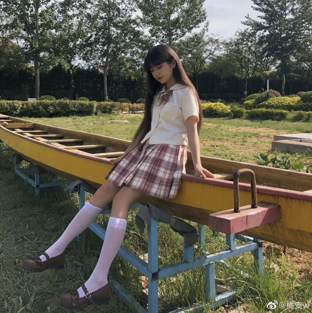 妹子摄影 – JK制服白丝小腿袜少女,初恋的香气_图片 No.8