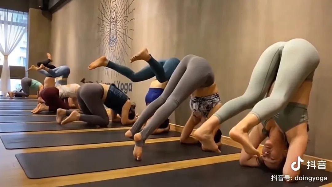 福利!这套高难度瑜伽动作真好看!(我是指腿、臀部还有腰)_图片 No.6