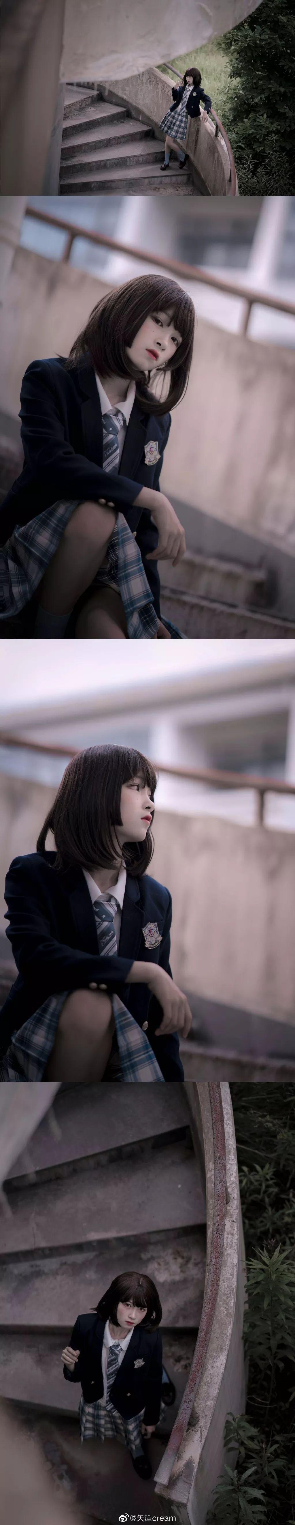 妹子摄影 – 短发jk制服少女 在破旧的教学室和一张椅子演绎颓废之美_图片 No.4