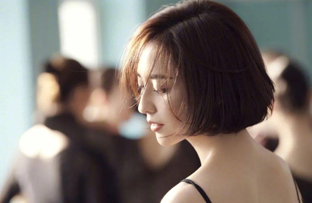 妹子写真 – 刘亦菲和佟丽娅,这个年纪的知性美!_图片 No.1