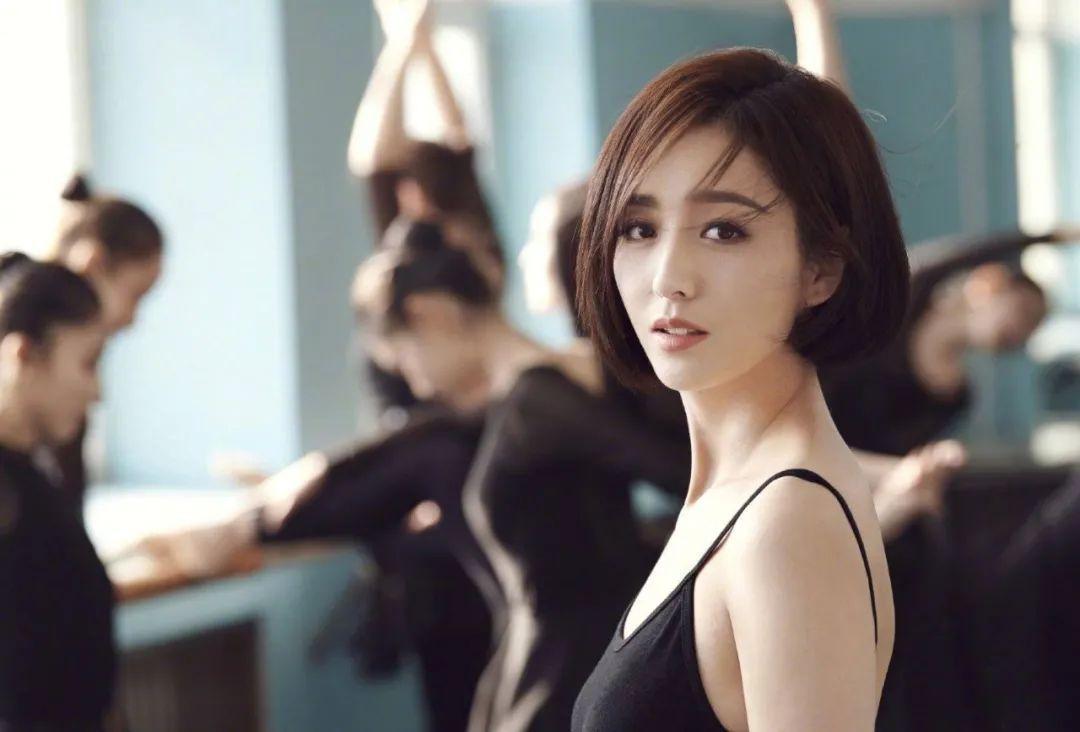 妹子写真 – 刘亦菲和佟丽娅,这个年纪的知性美!_图片 No.2