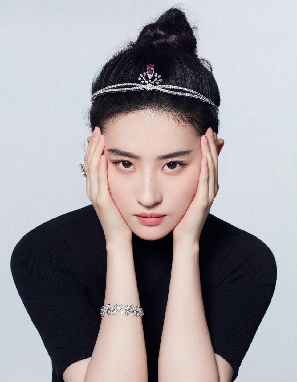 妹子写真 – 女王范的刘亦菲和傻白甜的赖美云,你更喜欢哪一位?_图片 No.3
