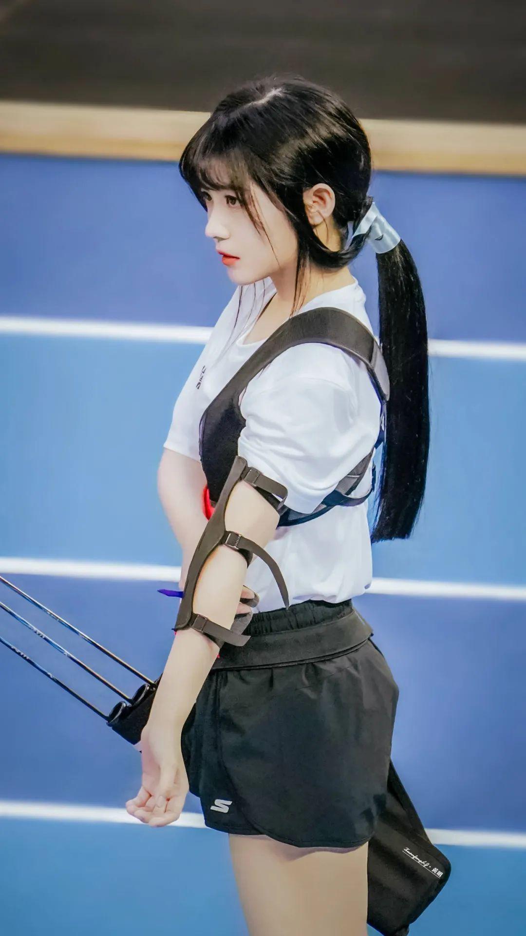 妹子写真 – 女王范的刘亦菲和傻白甜的赖美云,你更喜欢哪一位?_图片 No.11