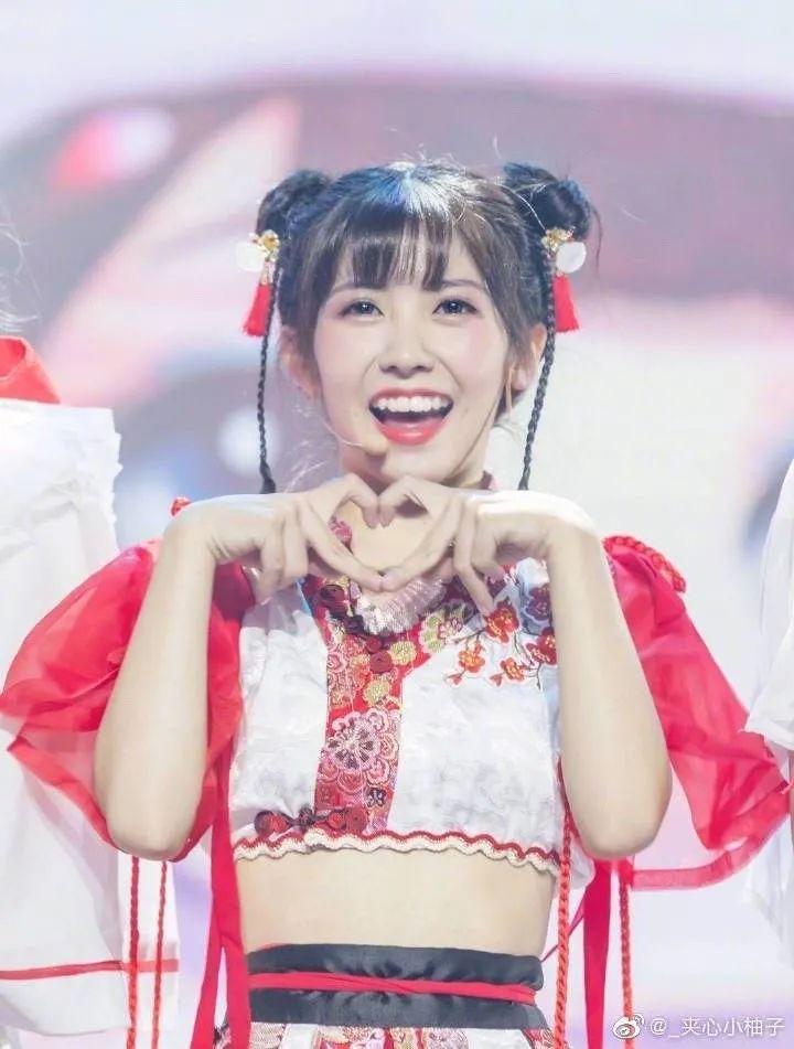 妹子写真 – 女王范的刘亦菲和傻白甜的赖美云,你更喜欢哪一位?_图片 No.12