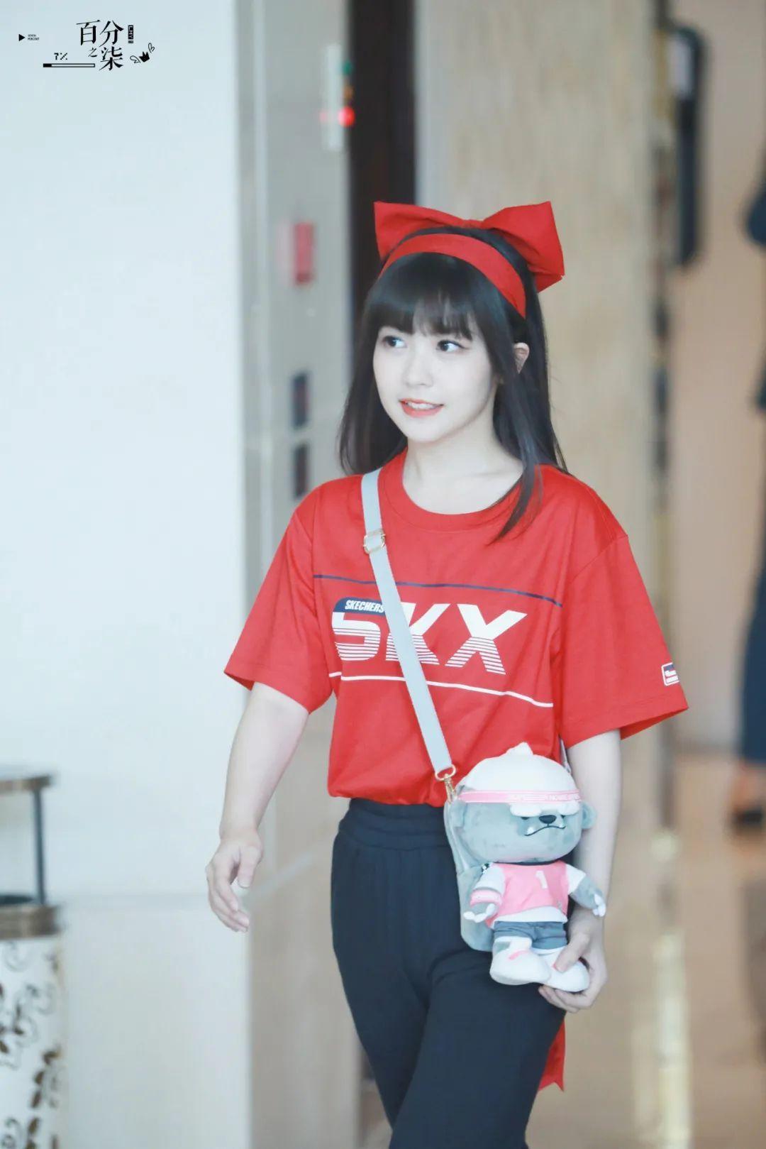 妹子写真 – 女王范的刘亦菲和傻白甜的赖美云,你更喜欢哪一位?_图片 No.15