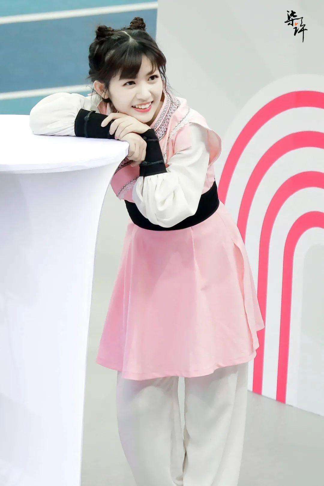 妹子写真 – 女王范的刘亦菲和傻白甜的赖美云,你更喜欢哪一位?_图片 No.20