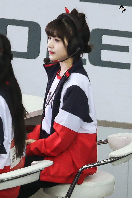 妹子写真 – 女王范的刘亦菲和傻白甜的赖美云,你更喜欢哪一位?_图片 No.21