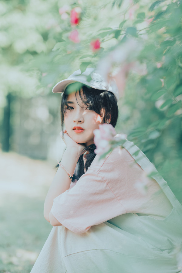 妹子摄影 – 双马尾园丁服超可爱的妹妹_图片 No.2