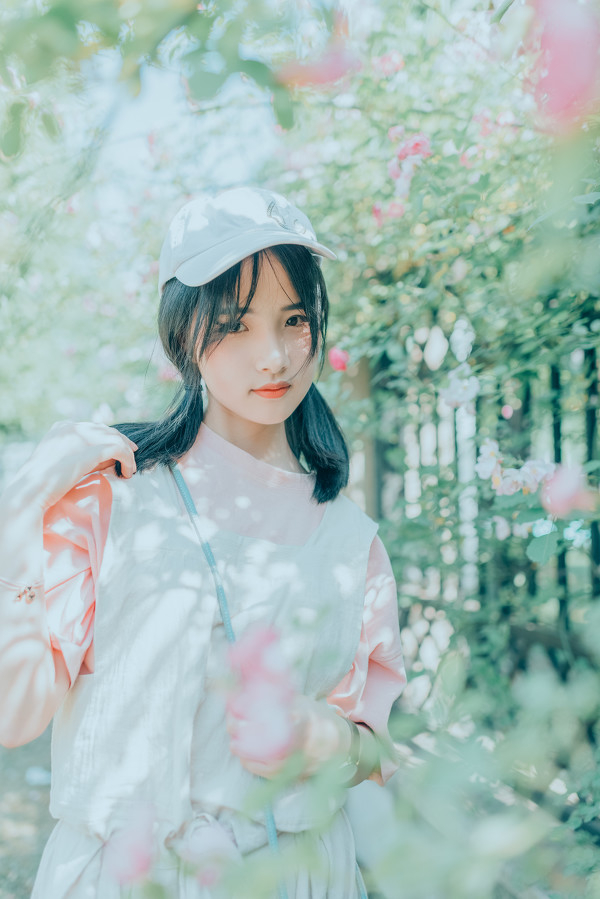 妹子摄影 – 双马尾园丁服超可爱的妹妹_图片 No.3