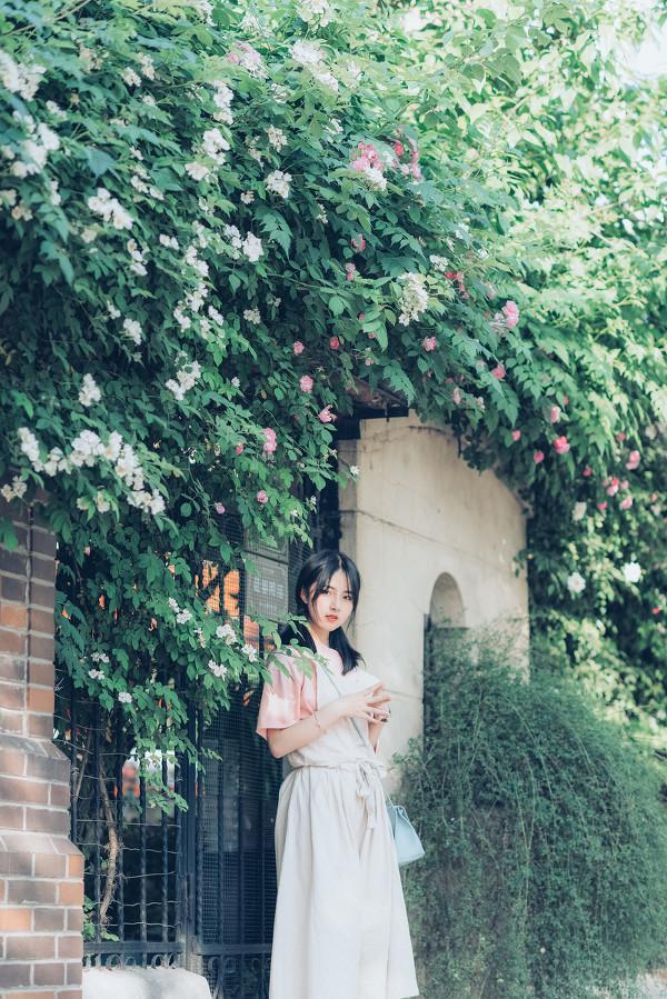 妹子摄影 – 双马尾园丁服超可爱的妹妹_图片 No.6