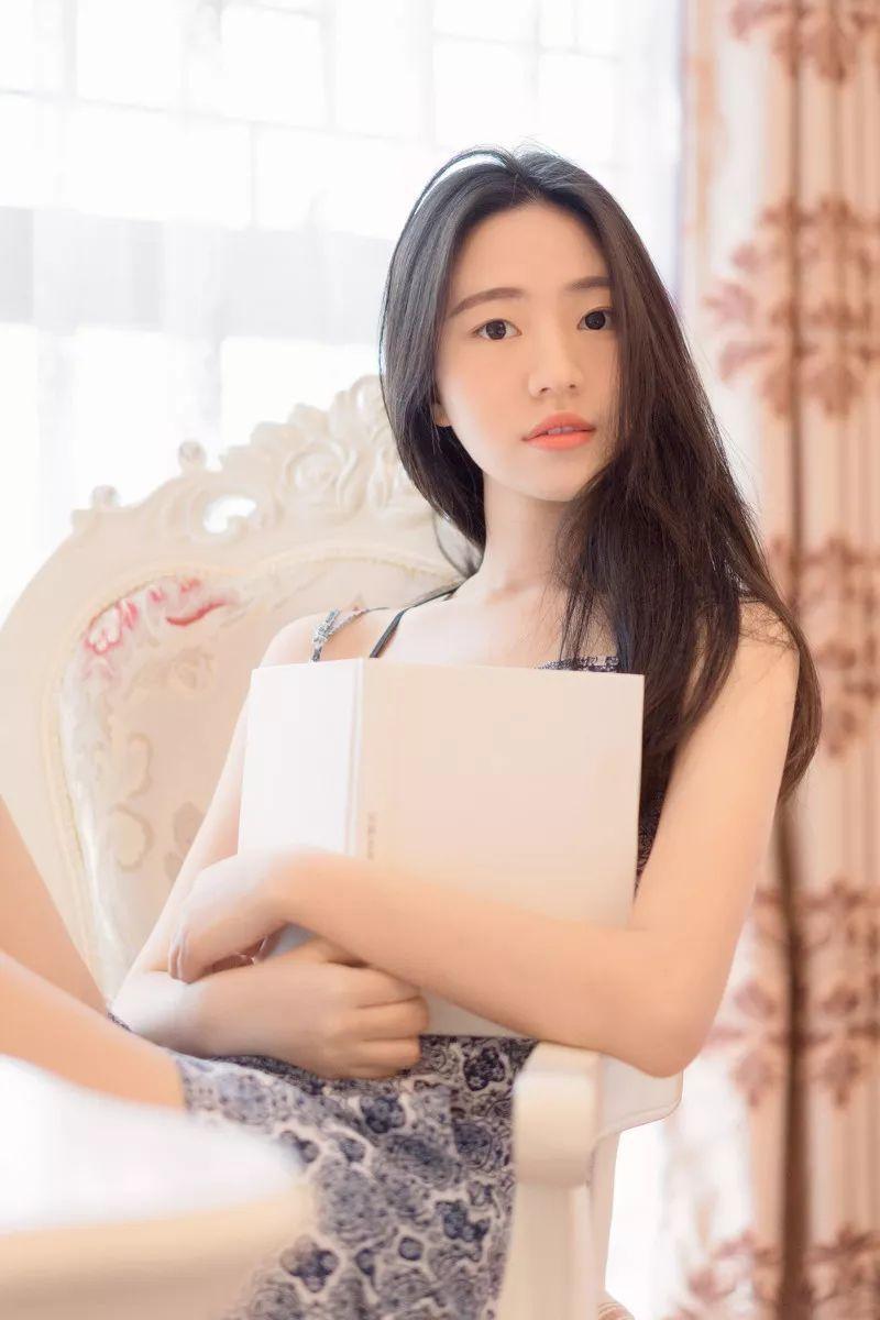 妹子摄影 – 吊带连衣裙青春少女的长腿秀_图片 No.5