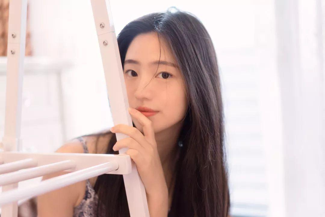 妹子摄影 – 吊带连衣裙青春少女的长腿秀_图片 No.14