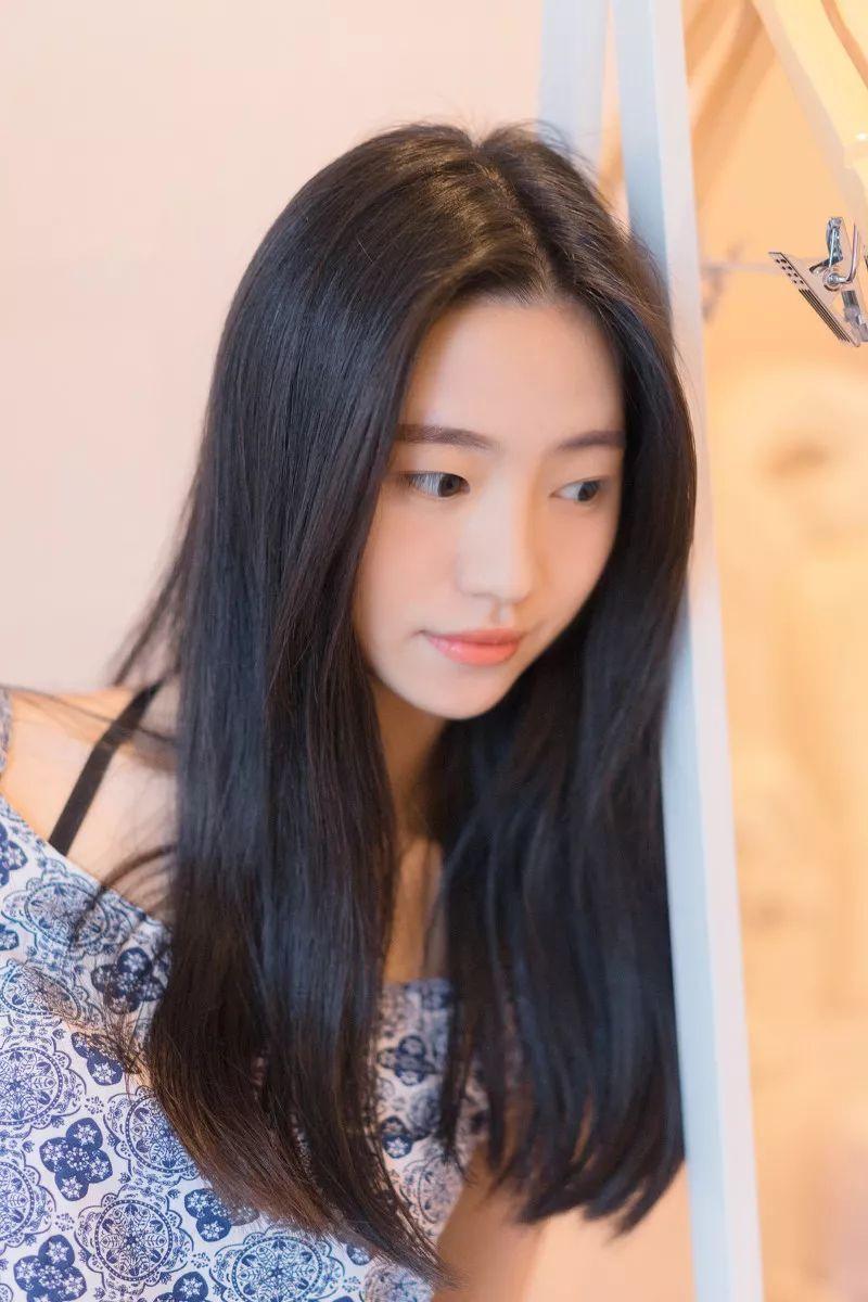 妹子摄影 – 吊带连衣裙青春少女的长腿秀_图片 No.15