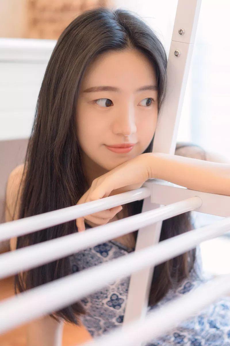 妹子摄影 – 吊带连衣裙青春少女的长腿秀_图片 No.16