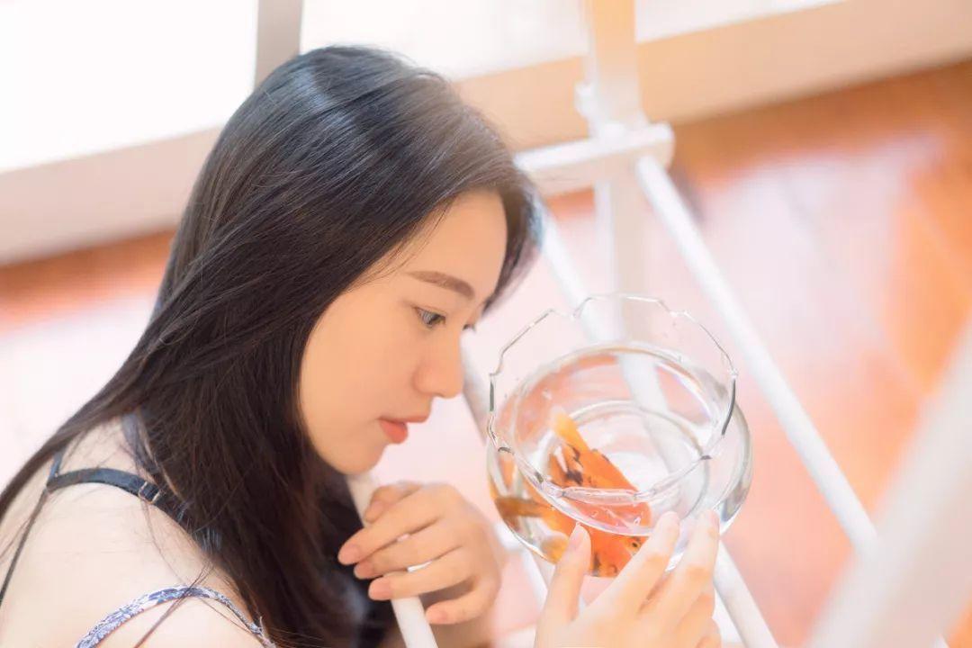 妹子摄影 – 吊带连衣裙青春少女的长腿秀_图片 No.19
