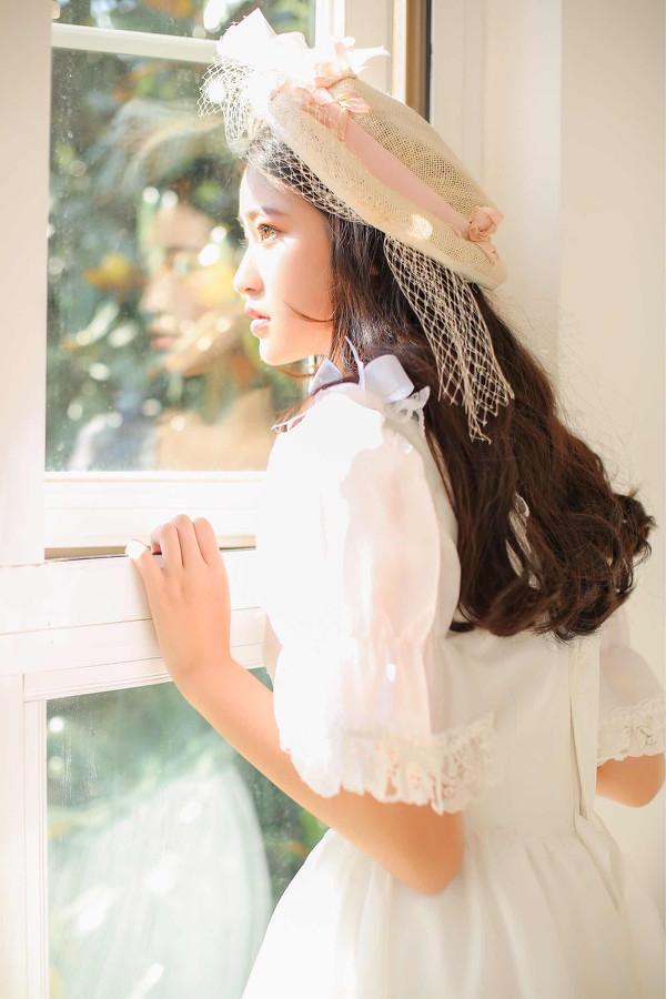 妹子摄影 – 富家千金小姐纯白公主裙的优雅_图片 No.4