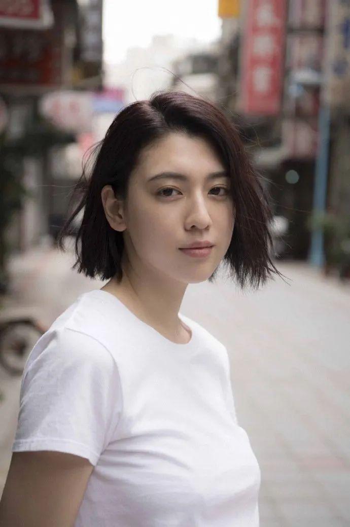 妹子写真 -美少女鞠婧祎和日本演员三吉彩花,你喜欢哪位呢?_图片 No.2