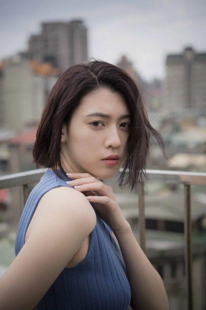妹子写真 -美少女鞠婧祎和日本演员三吉彩花,你喜欢哪位呢?_图片 No.4