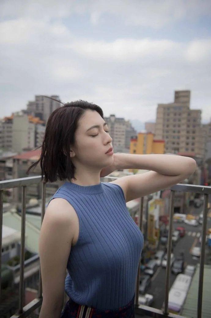 妹子写真 -美少女鞠婧祎和日本演员三吉彩花,你喜欢哪位呢?_图片 No.5