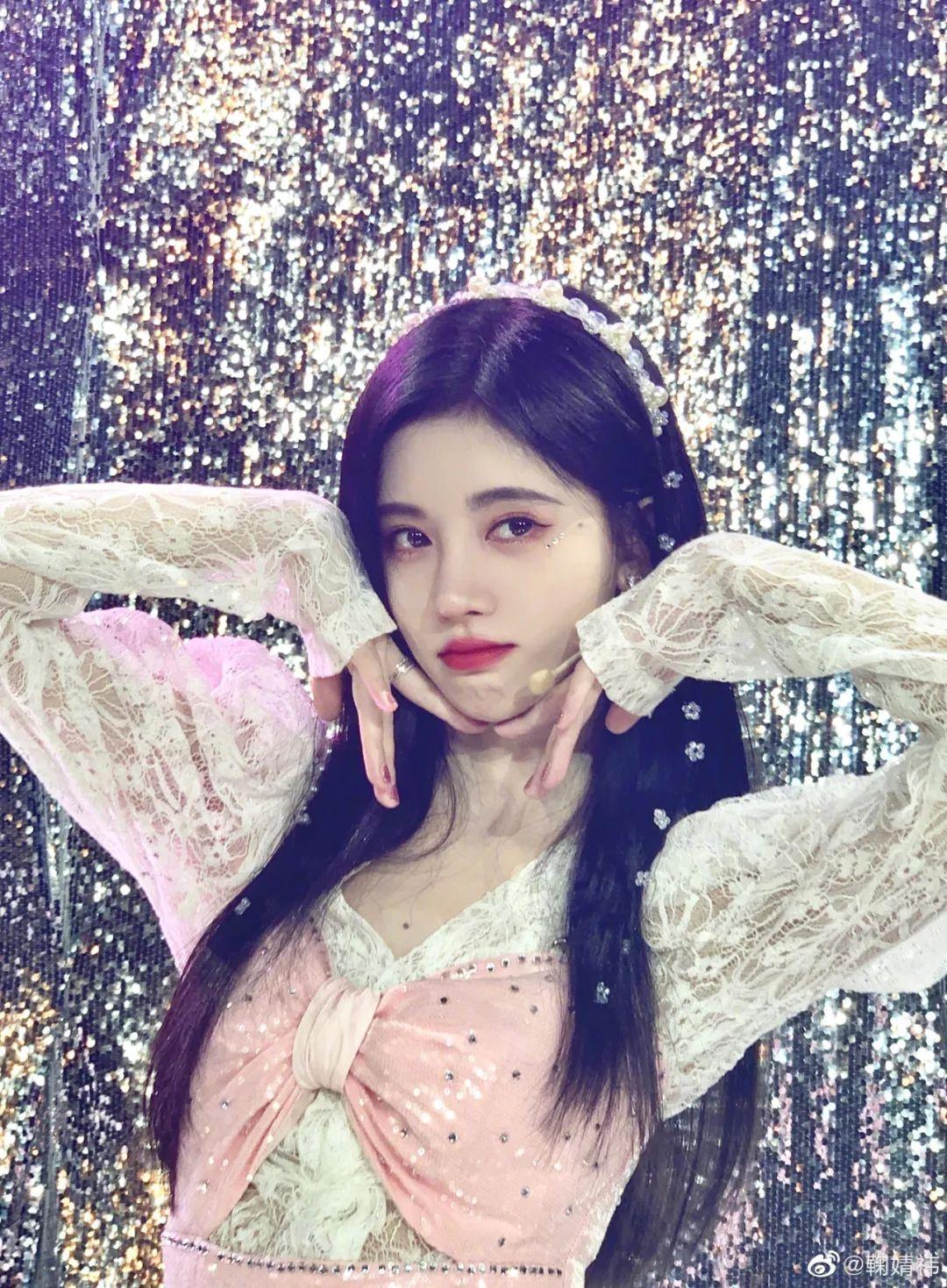 妹子写真 -美少女鞠婧祎和日本演员三吉彩花,你喜欢哪位呢?_图片 No.24
