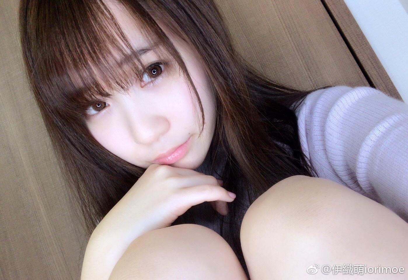 伊織萌iorimoe春天颜色的毛衣~~~(*´˘`*)♥今天_美女福利图片