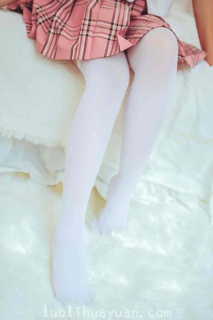 [喵糖映画] – VOL.0001 白丝袜小波浪卷发少女 [41P/368 MB]_图片 6