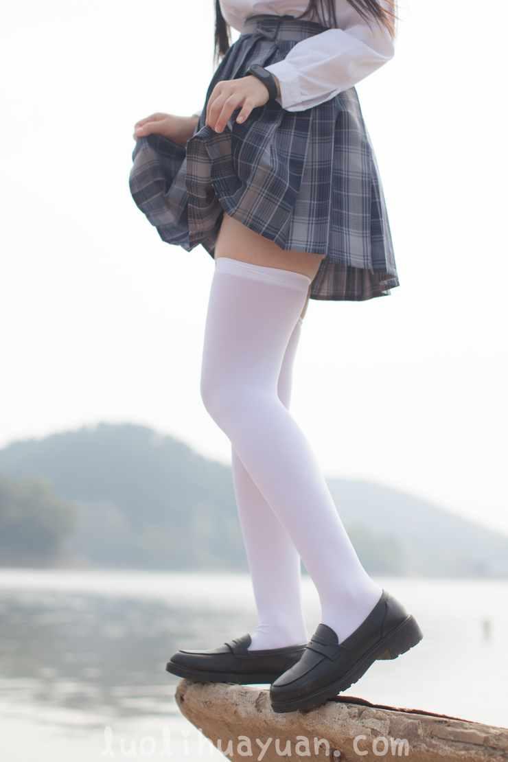 [少女秩序] – EXVOL系列之 EXVOL.02 学生制服白丝袜女孩 山间小溪玩耍 [80P/843 MB]_图片 16