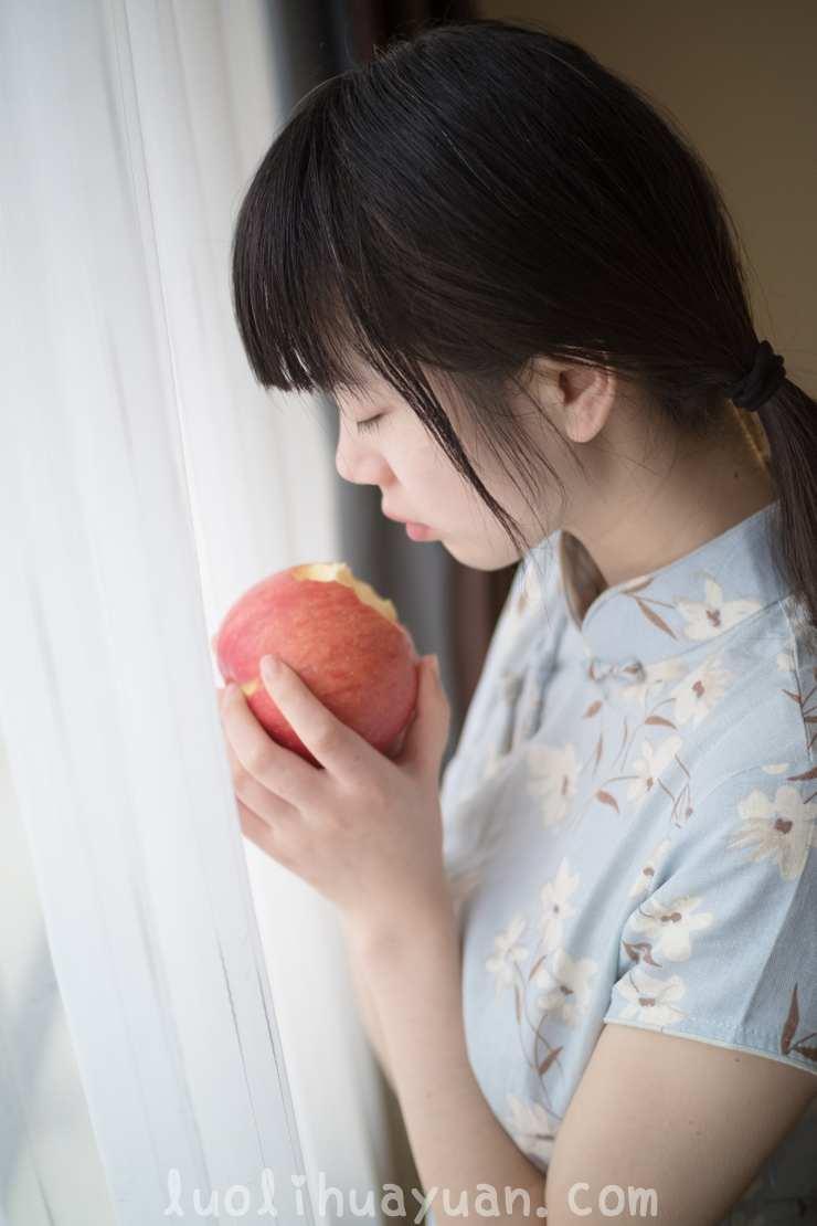 [西ER酱] – 兰草旗袍篇 短款旗袍苹果香甜 [41P/87 MB] 配图 No.1