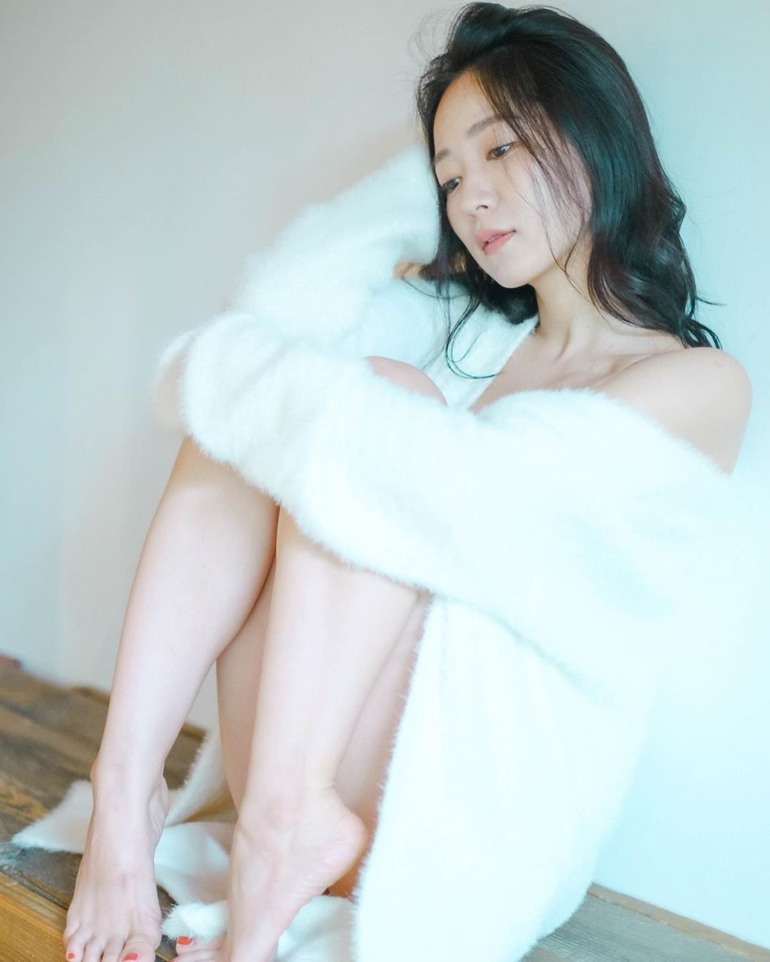 日本31岁女星阶户瑠李病逝,出演过《全裸导演》等作品 第9张