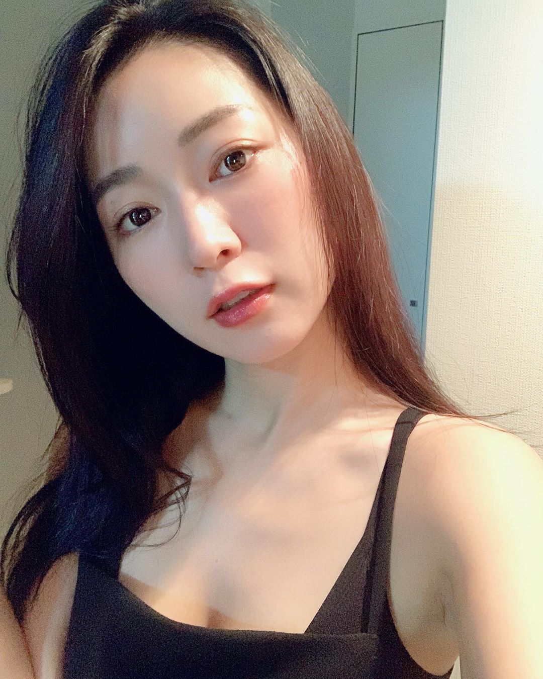 日本31岁女星阶户瑠李病逝,出演过《全裸导演》等作品 第2张