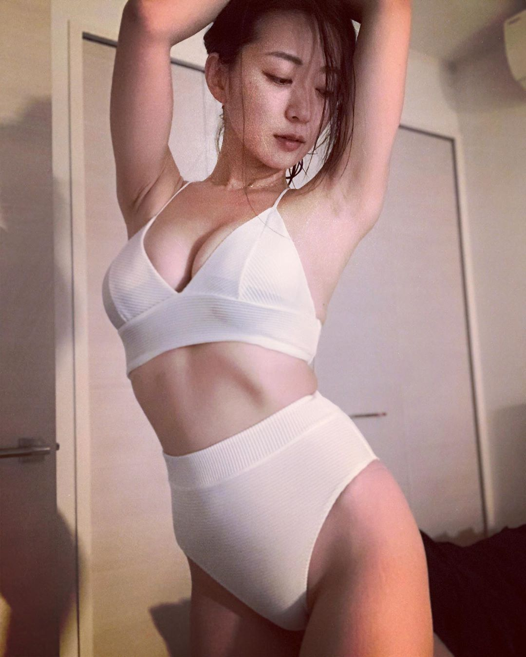 日本31岁女星阶户瑠李病逝,出演过《全裸导演》等作品 第3张