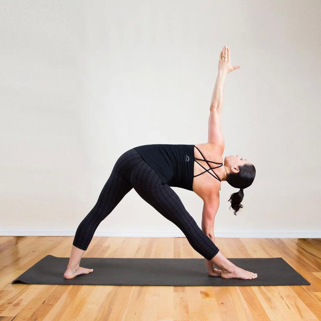 强健大腿内侧的8个瑜伽姿势,一定要为你的女神收藏! 涨姿势 第2张