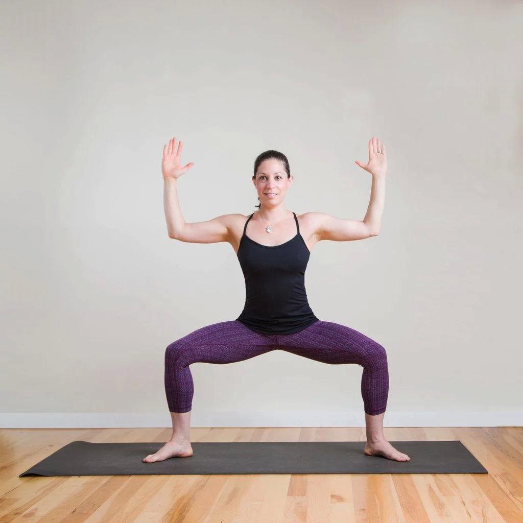 强健大腿内侧的8个瑜伽姿势,一定要为你的女神收藏! 涨姿势 第5张