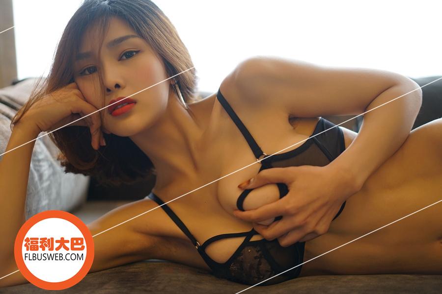 Sexy闫盼盼2017年4月份最新写真 – 四月春光[51P/147MB]