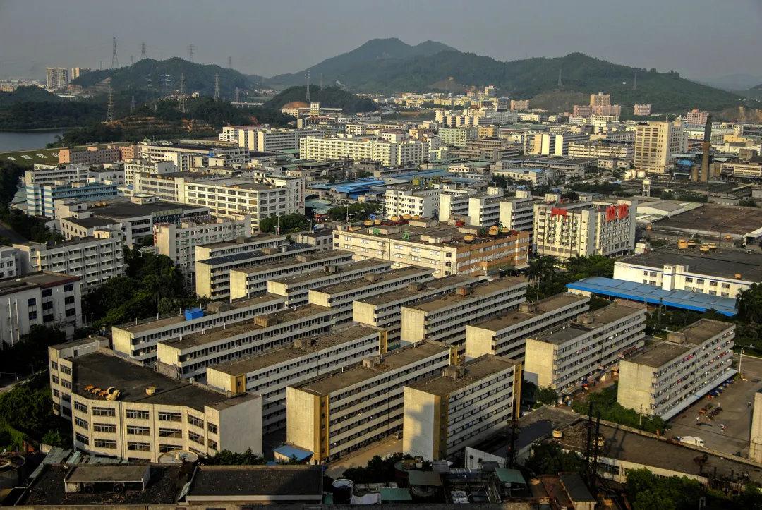 2008年09月28日,广东东莞,工业区的厂房密集,如今这些厂房已经拆除