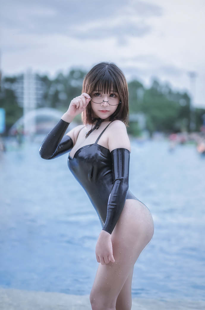 @抱走莫子aa 美臀巨乳萌妹子写真套图 福利吧 热图3