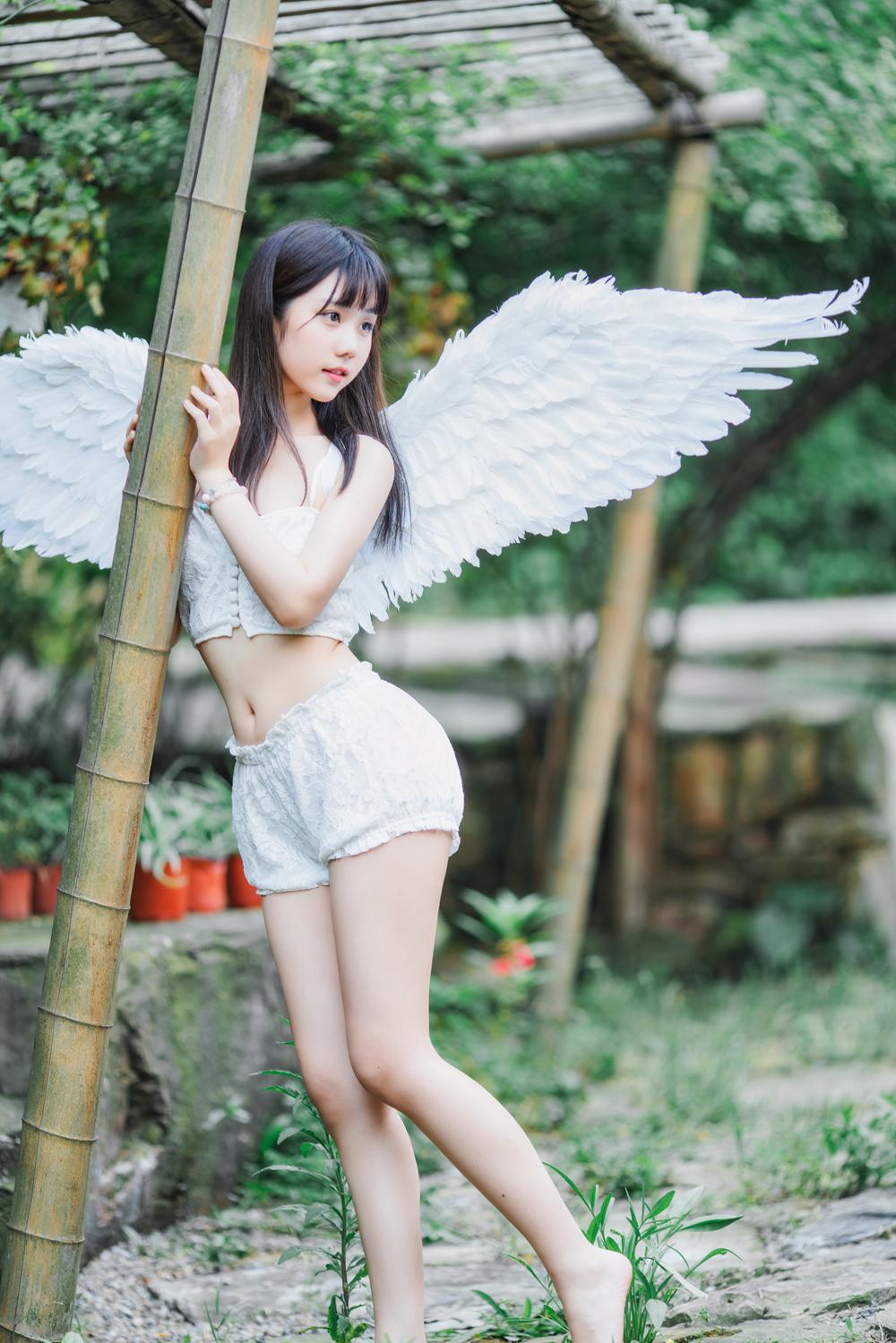 @镜酱_ 清纯系少女 15套写真图片+视频 5.6GB
