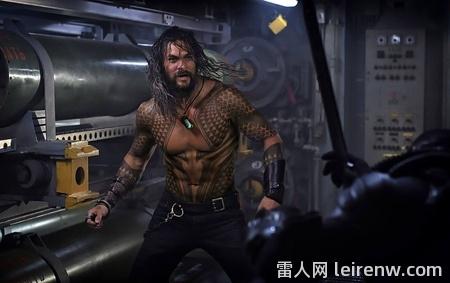 《水行侠 Aquaman》──华丽无边的你怎么可能�]有�p耗海底史诗